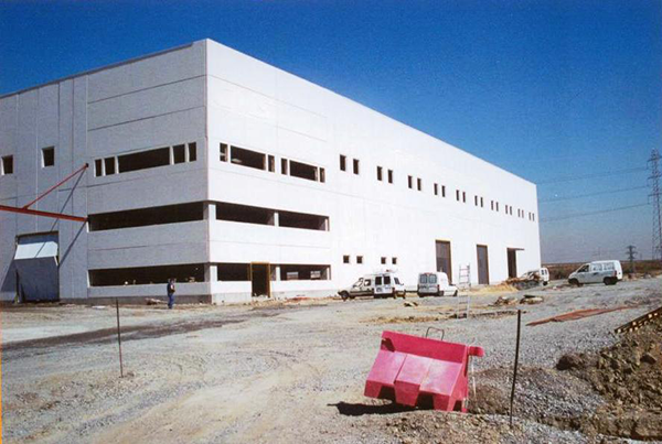 Naves industriales y oficinas en Getafe. Madrid.